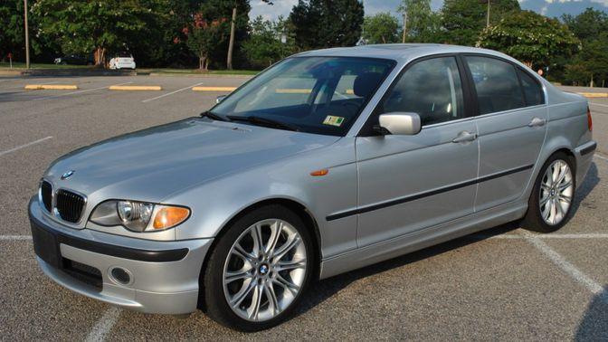2002 BMW 330i 5-Speed