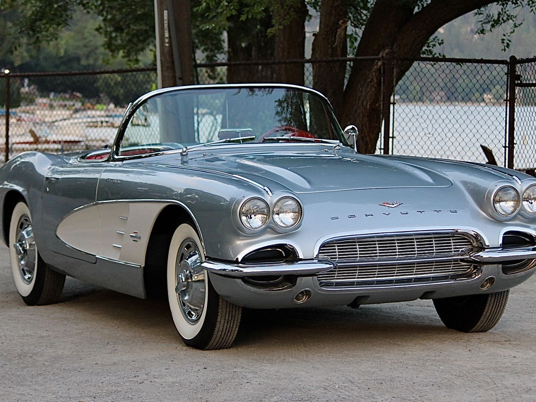 1961 Chevrolet Corvette Fuelie