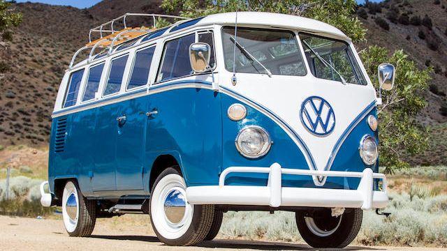 1965 Volkswagen Type 2 De Luxe Samba Bus