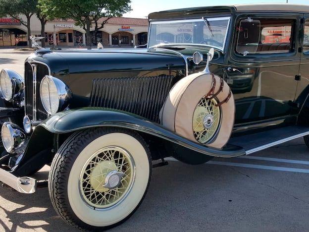 1932 Auburn 8-100A Brougham