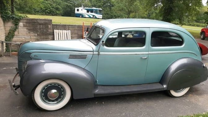 1939 Ford Standard Sedan