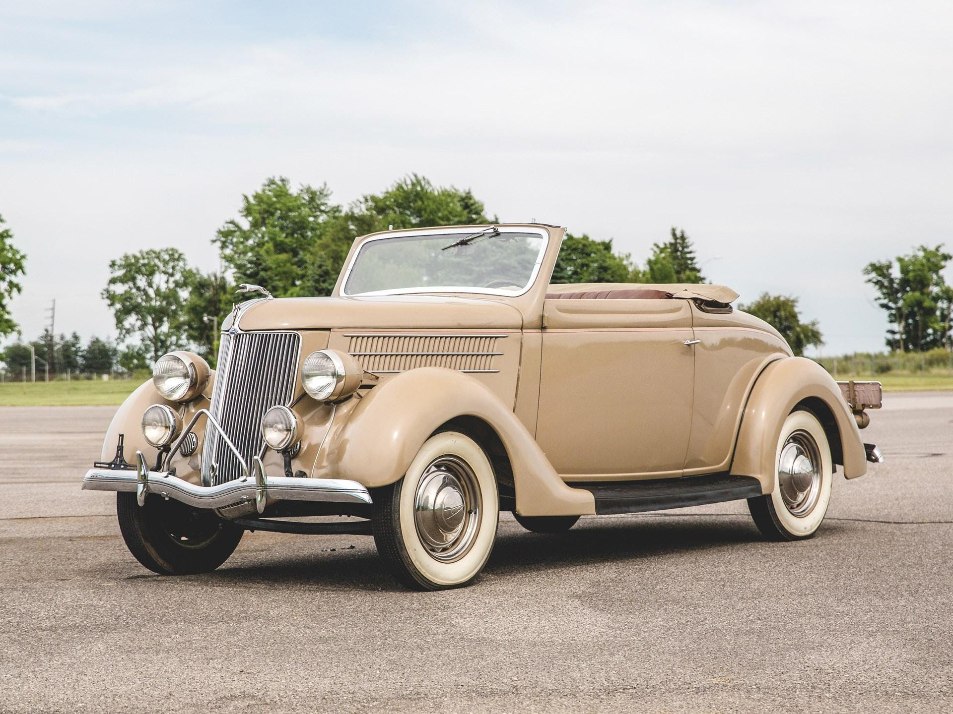 1936 Ford Deluxe Cabriolet