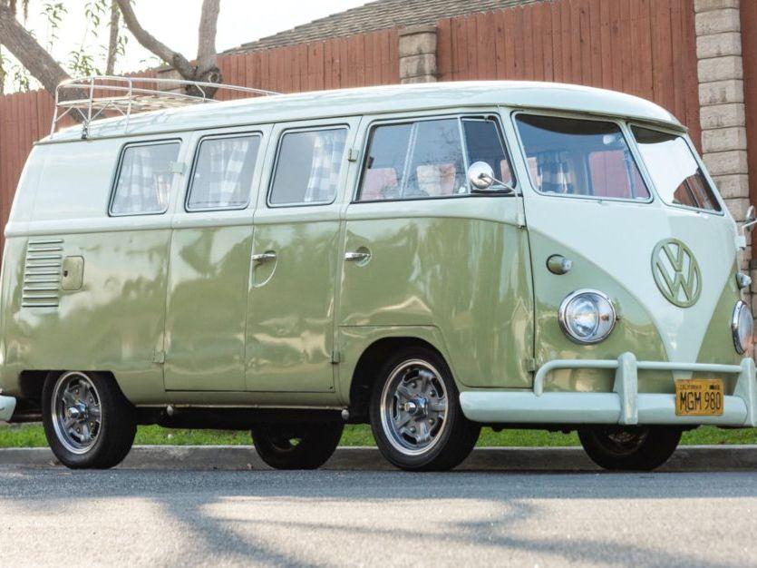 1961 Volkswagen Bus 11-Window