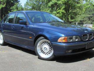 2000 BMW 528i Sedan