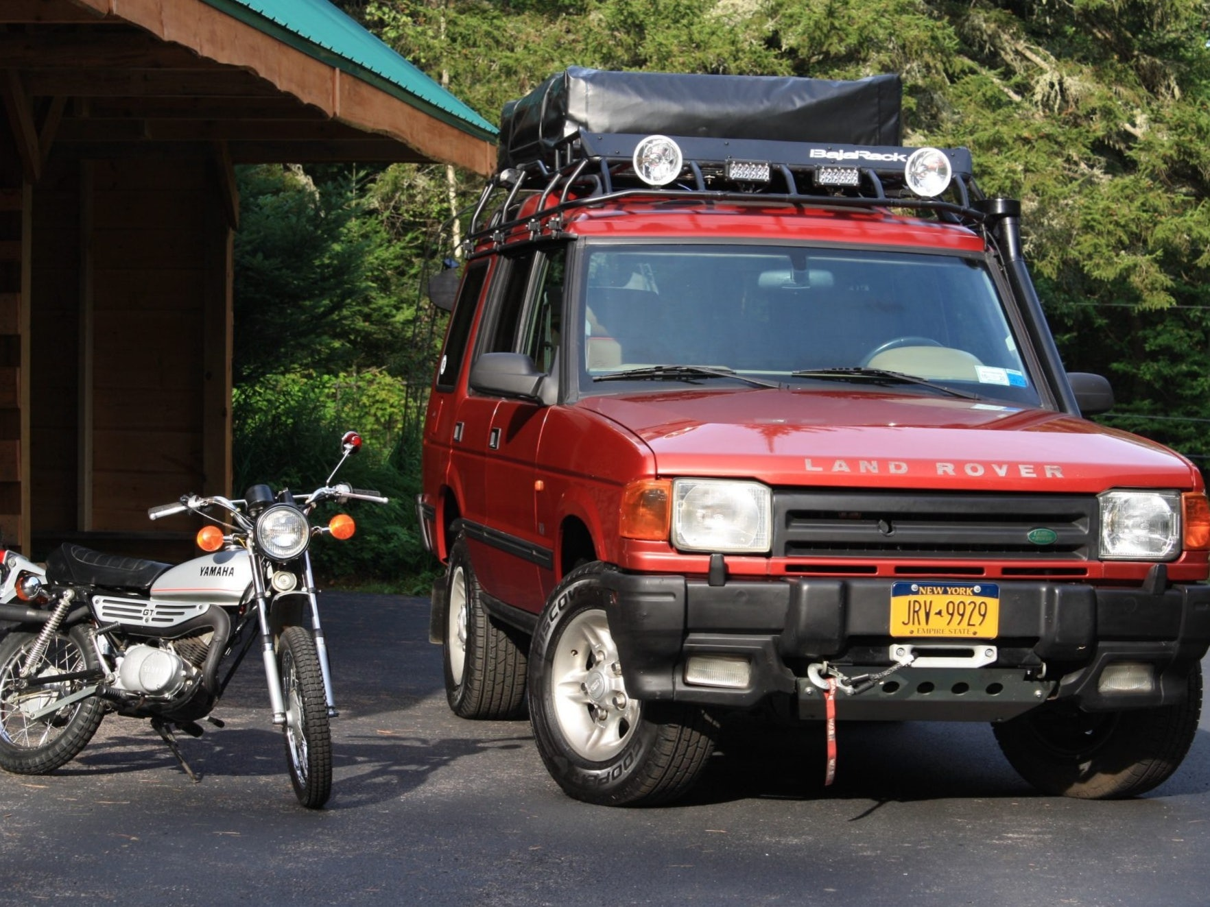 1997 Land Rover Discovery W/1978 Yamaha GT80