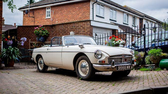 1963 MG B Roadster