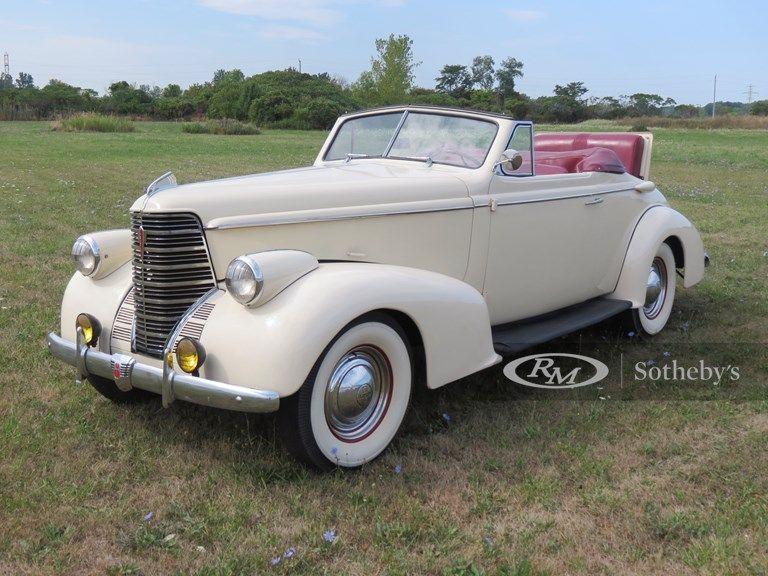 1938 Oldsmobile Eight