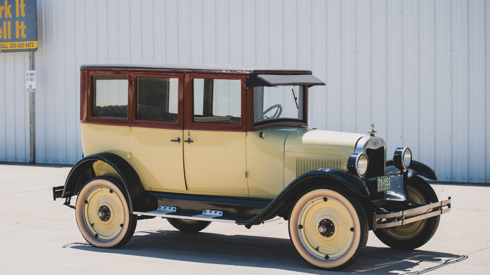 1926 Chevrolet Superior v Five-Passenger Sedan