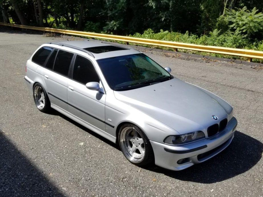 2002 BMW 540IT 6-Speed