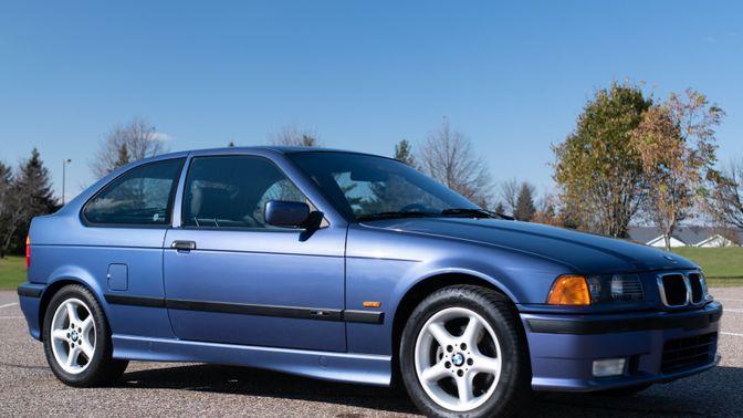 1997 BMW 318Ti 5-Speed