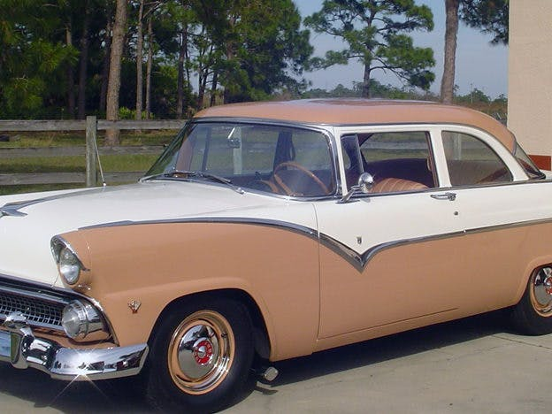 1955 Ford Fairlane Club Sedan