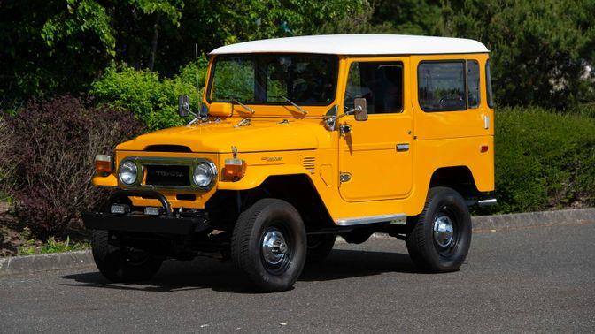 1973 Toyota FJ-40 Land Cruiser