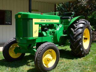 1958 John Deere 720 Standard