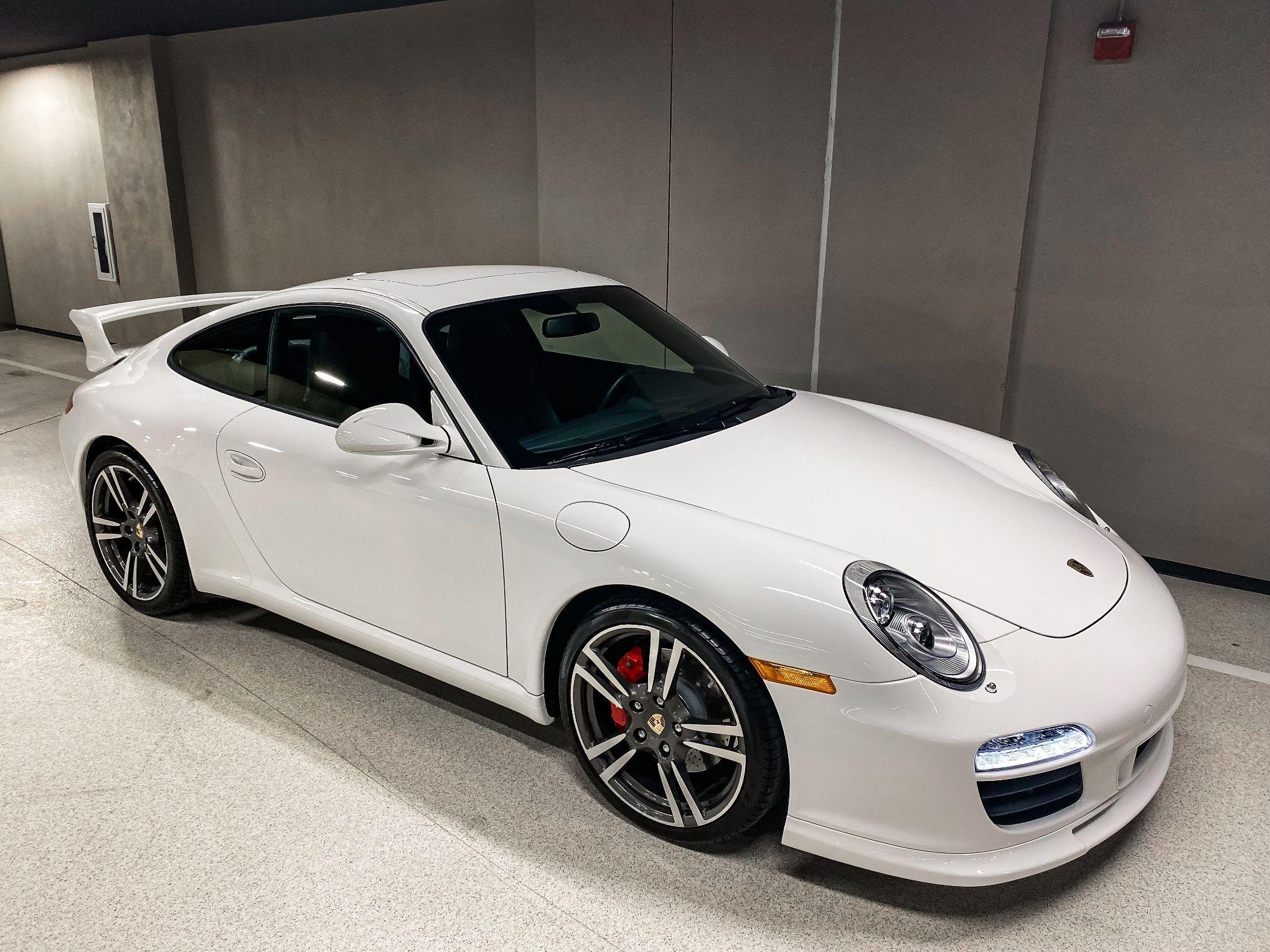 2012 Porsche 997.2 Carrera S Aerokit 6-Speed