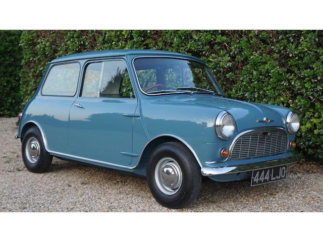 1959 Morris Mini Minor Deluxe Saloon