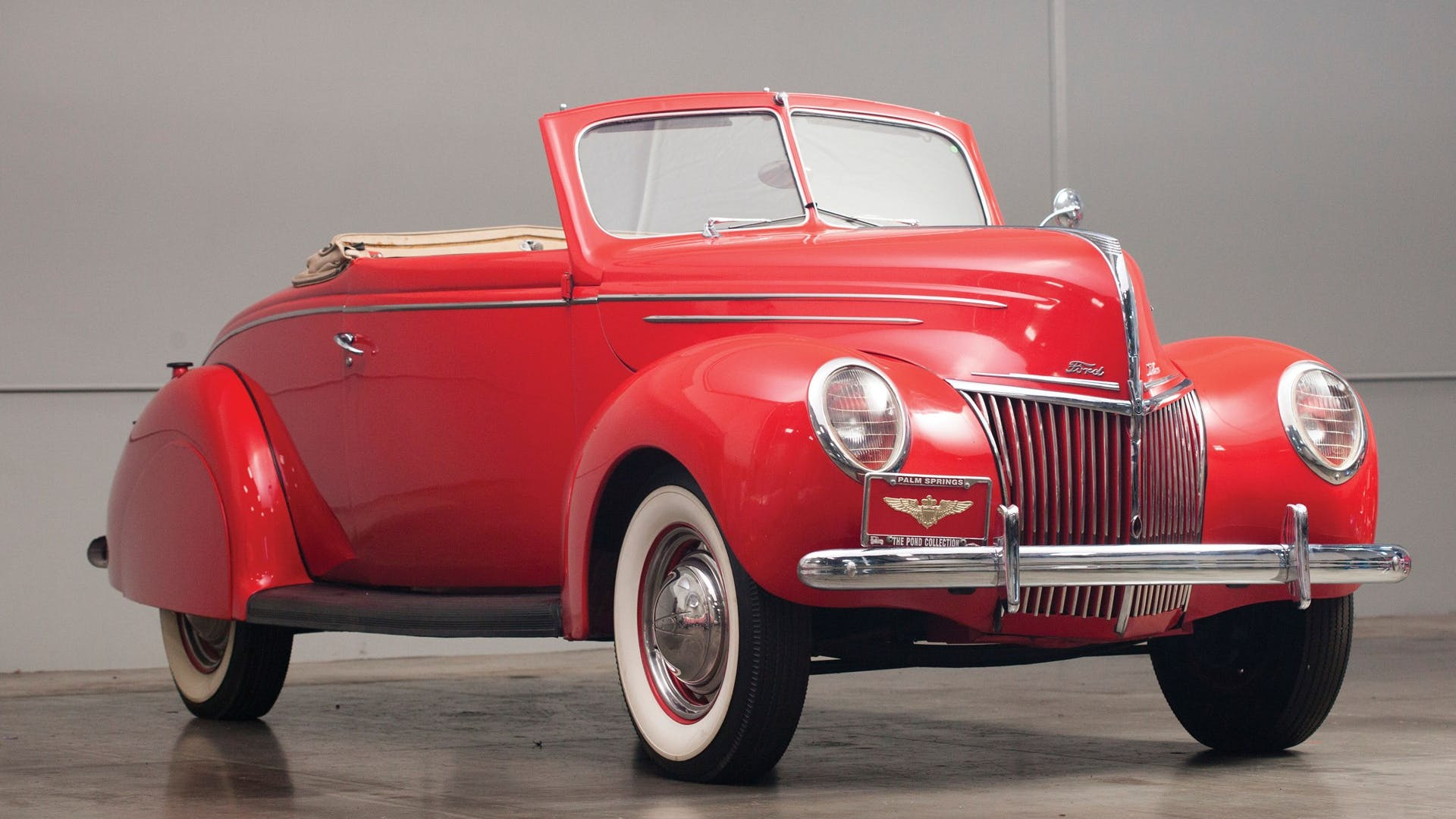 1939 Ford V-8 Deluxe
