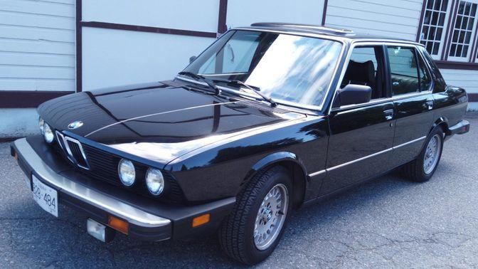 1983 BMW 533i 5-Speed