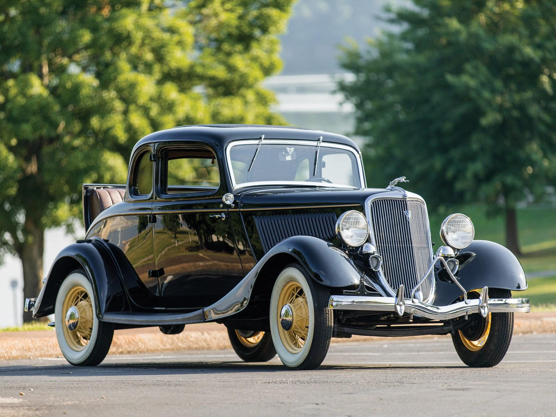 1934 Ford V-8 Deluxe Five-Window Coupe