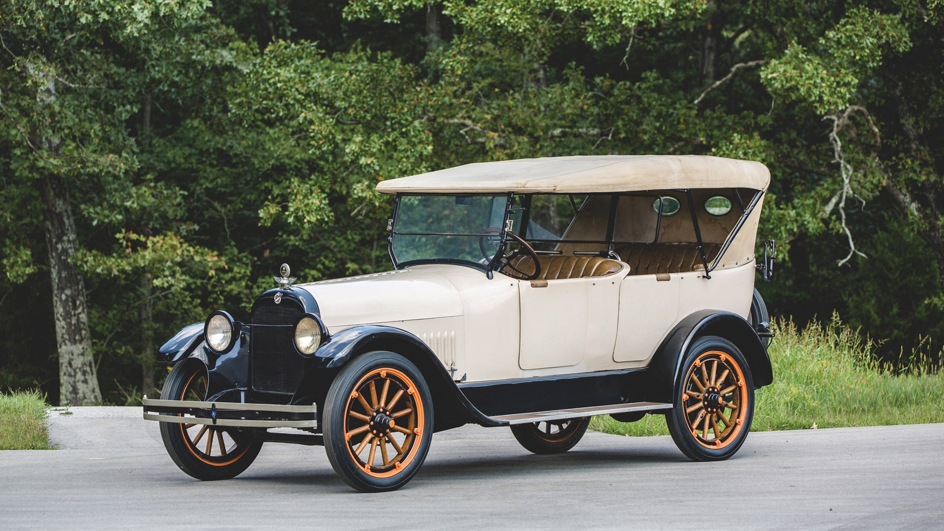 1919 Studebaker Light Six Touring