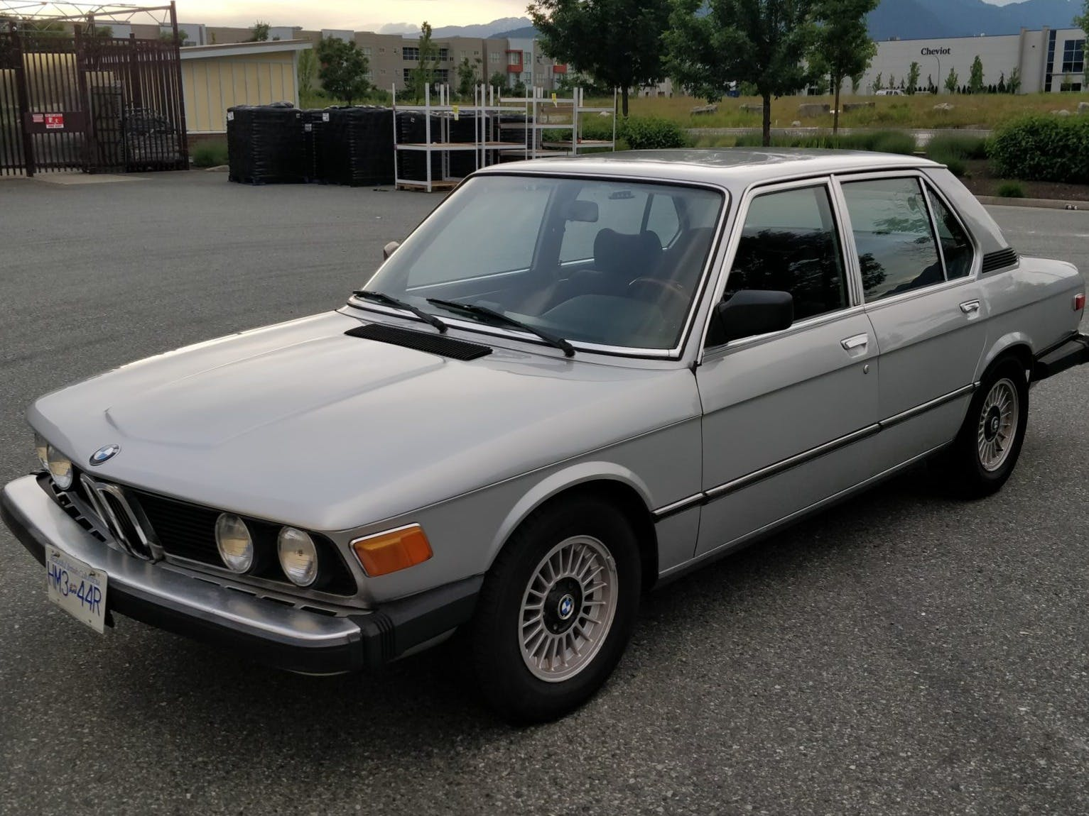 1975 BMW 530i 5-Speed