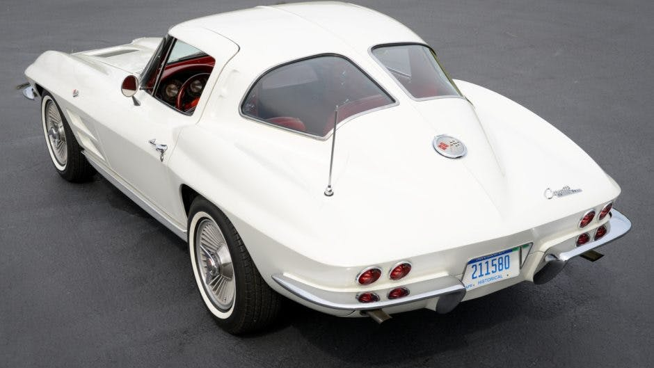 1963 Chevrolet Corvette Split-Window Coupe 327/340 4-Speed