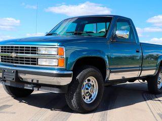 1990 Chevrolet C2500 4X4 Pickup