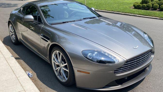 2013 Aston Martin V8 Vantage Coupe 6-Speed