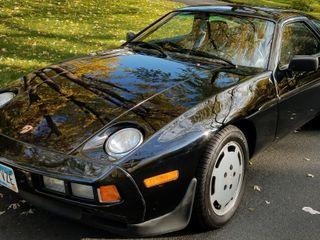 1986 Porsche 928S 5-Speed
