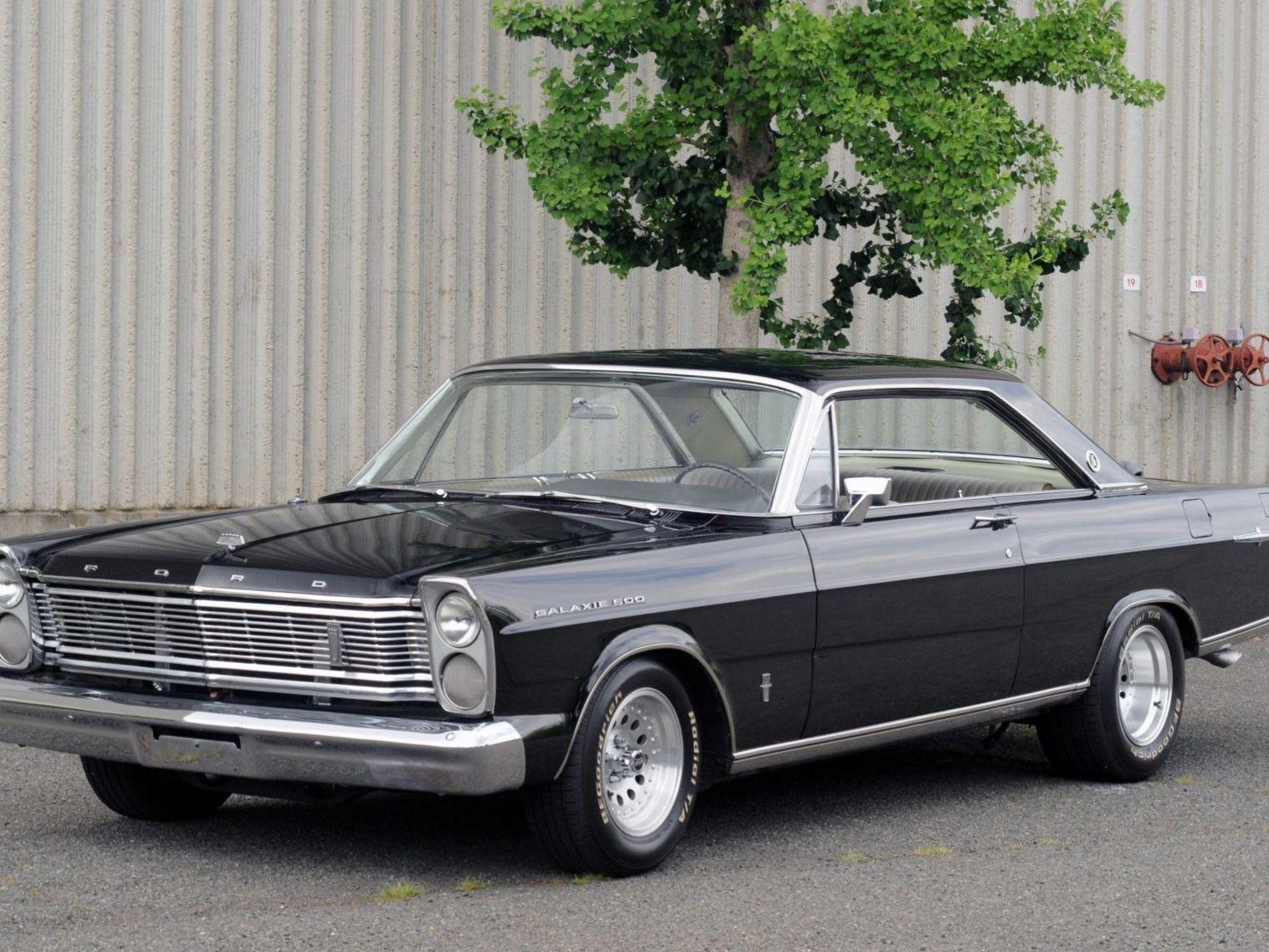 1965 Ford Galaxie 500 Ltd 5-Speed