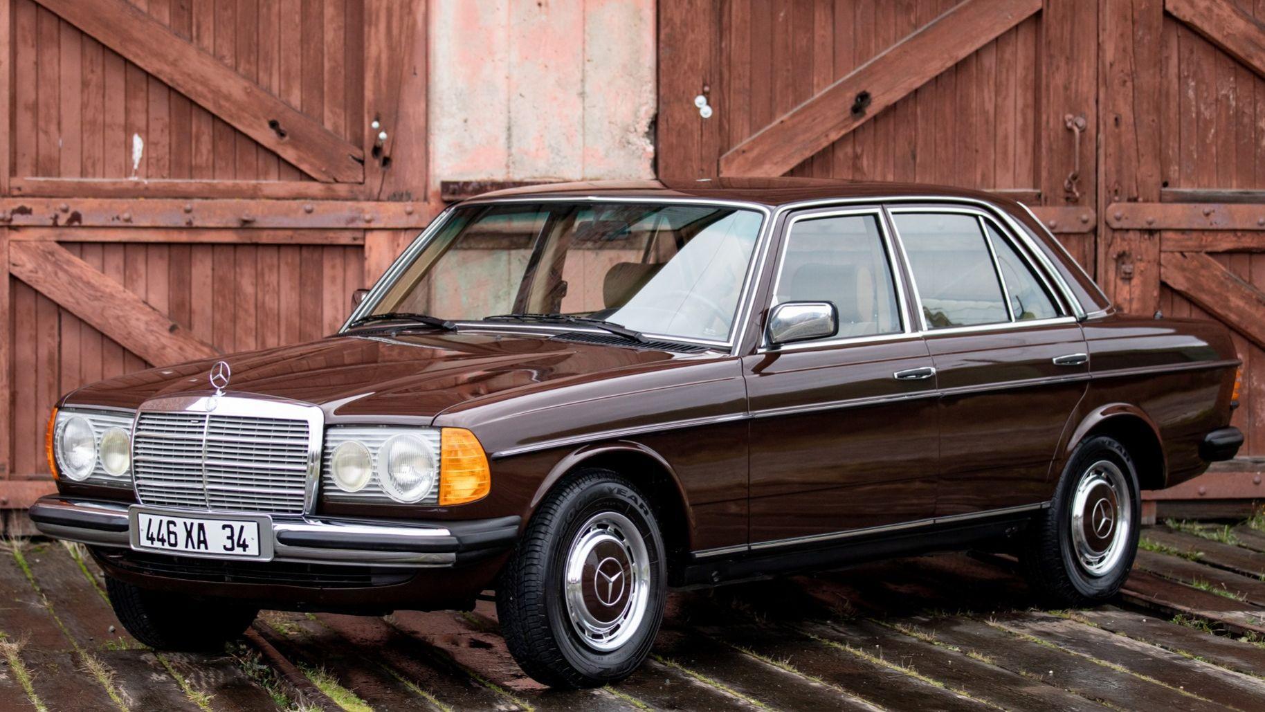 1981 Mercedes-Benz 200 4-Speed
