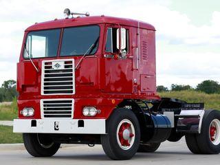 1956 Diamond T 931C Coe