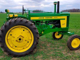 1958 John Deere 720 Diesel