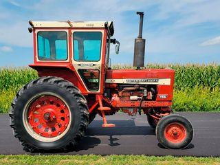 1969 Farmall International Harvester 756