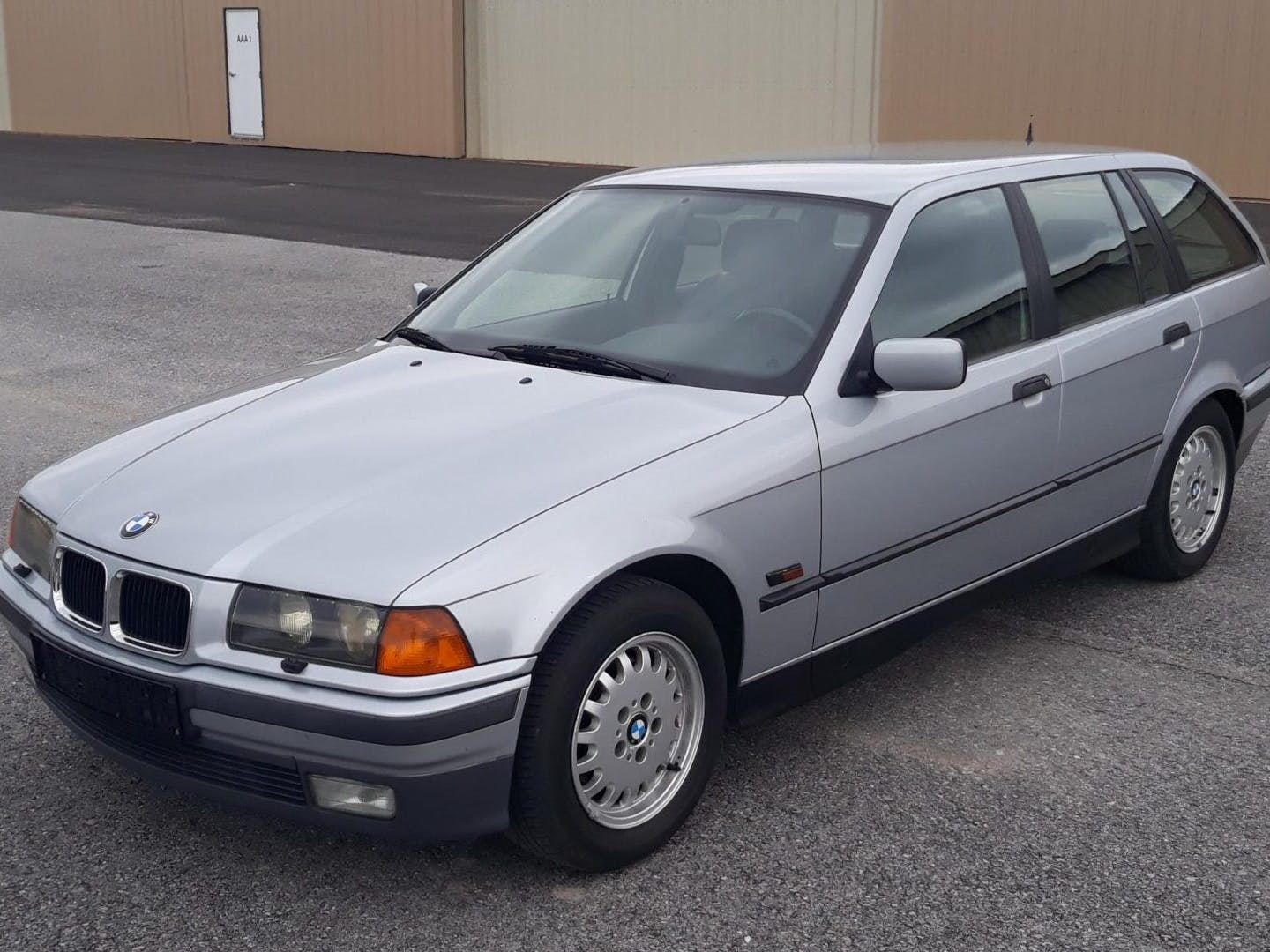 1996 BMW 320i Touring 5-Speed