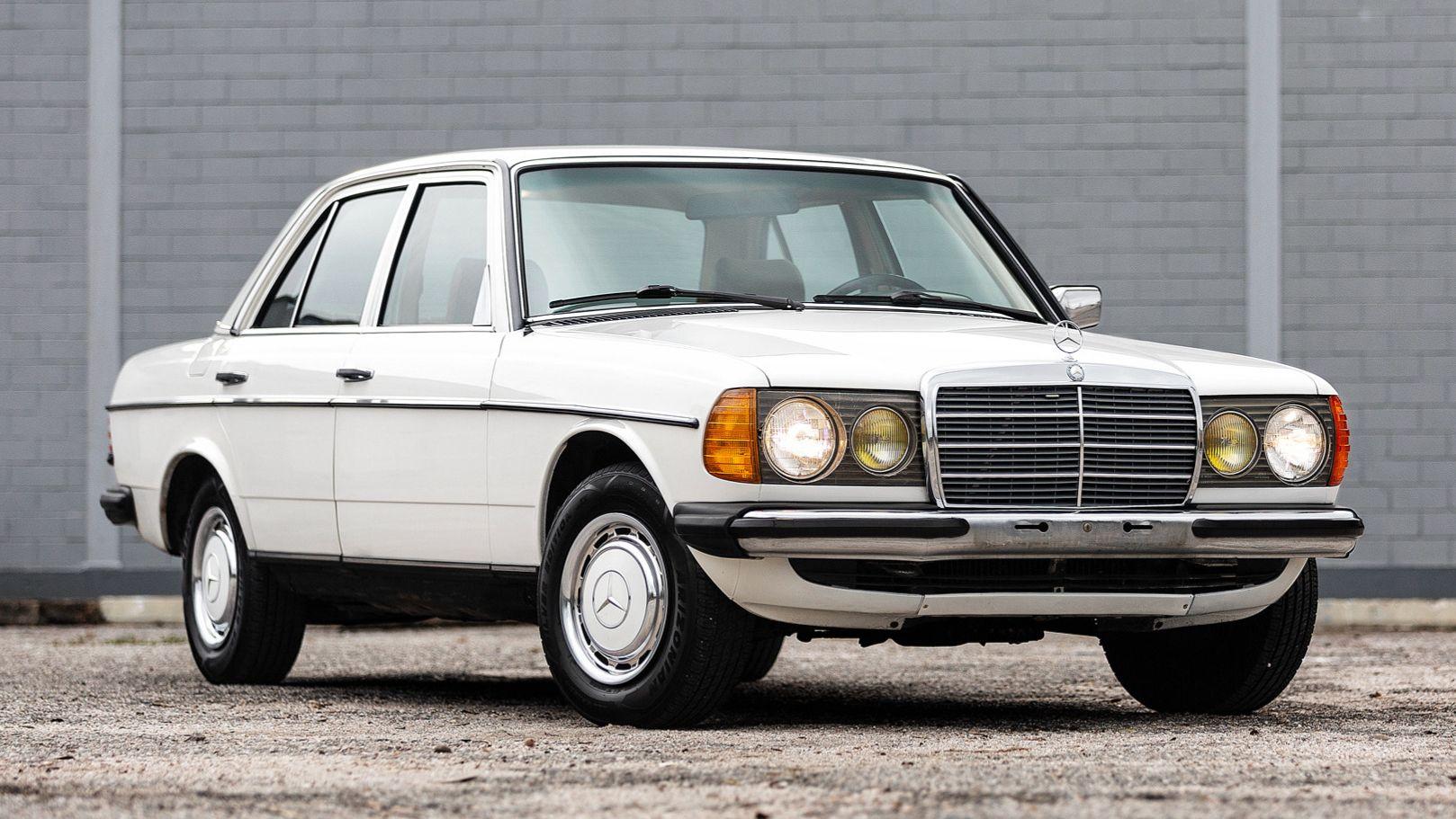 1983 Mercedes-Benz 200 5-Speed