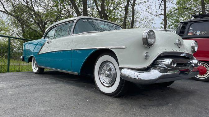 1954 Oldsmobile 98 Holiday