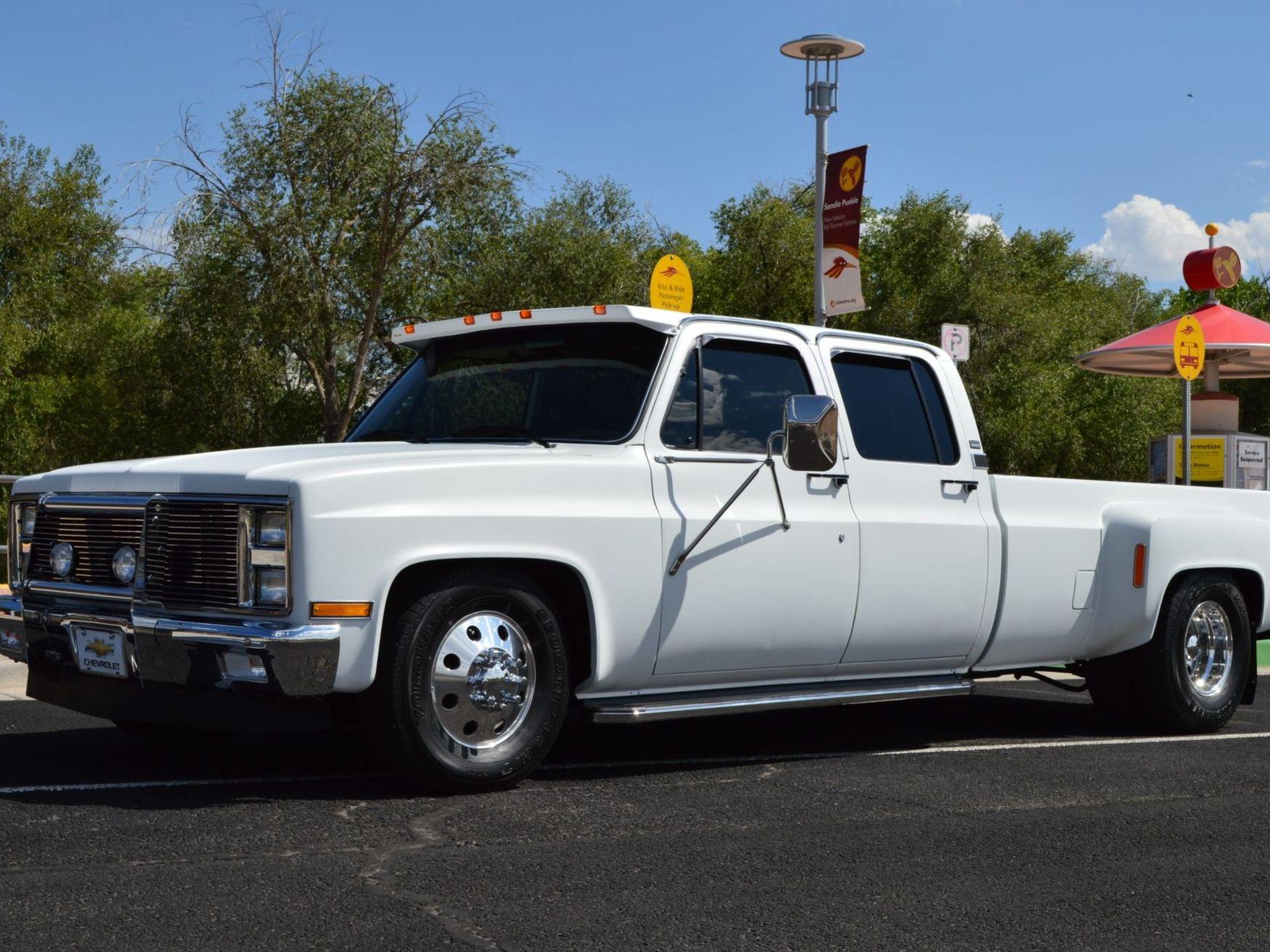 1987 Chevrolet R30 One-Ton Crew Cab Dually 5-Speed