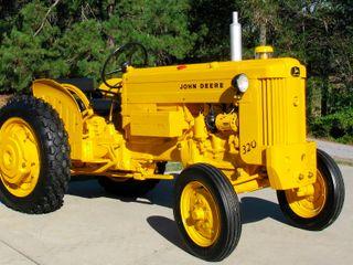 1958 John Deere 320 Utility