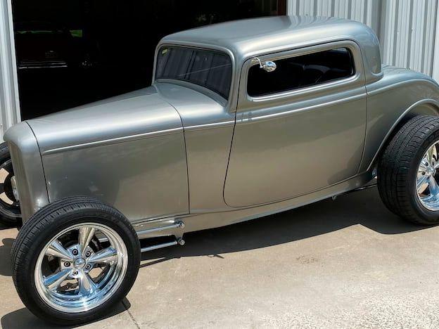 1932 Ford Hi-Boy Street Rod