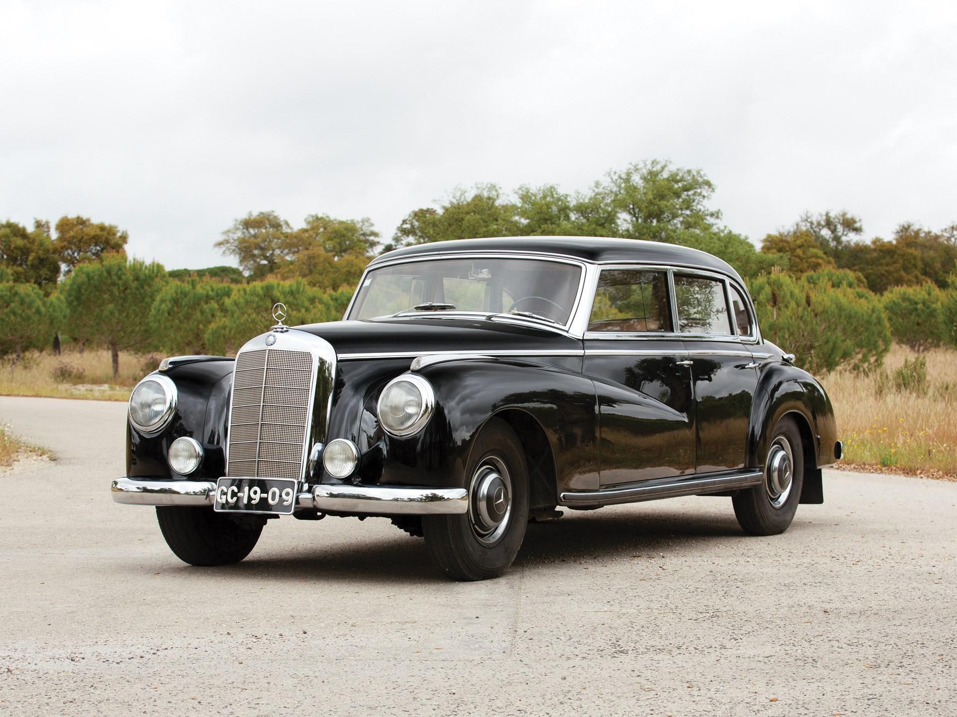 1952 Mercedes-Benz 300 Sedan