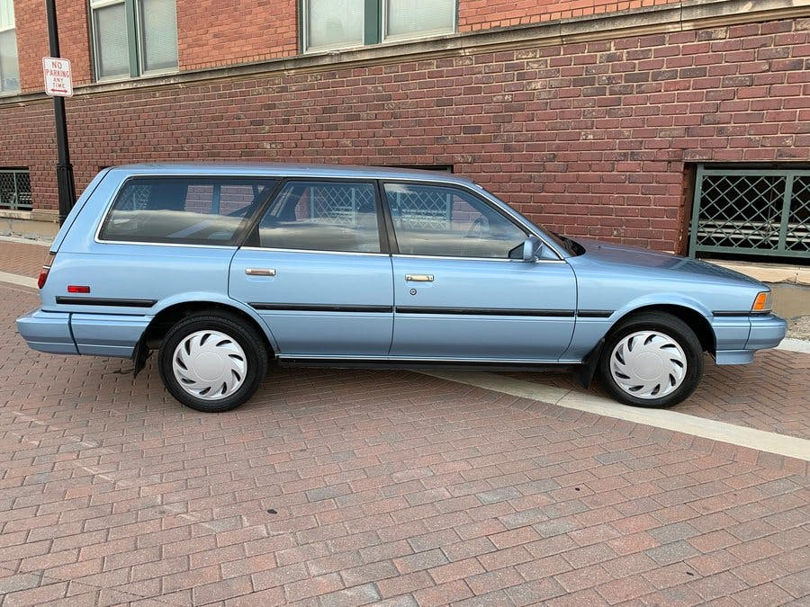 1988 Toyota Camry V6 Le Wagon