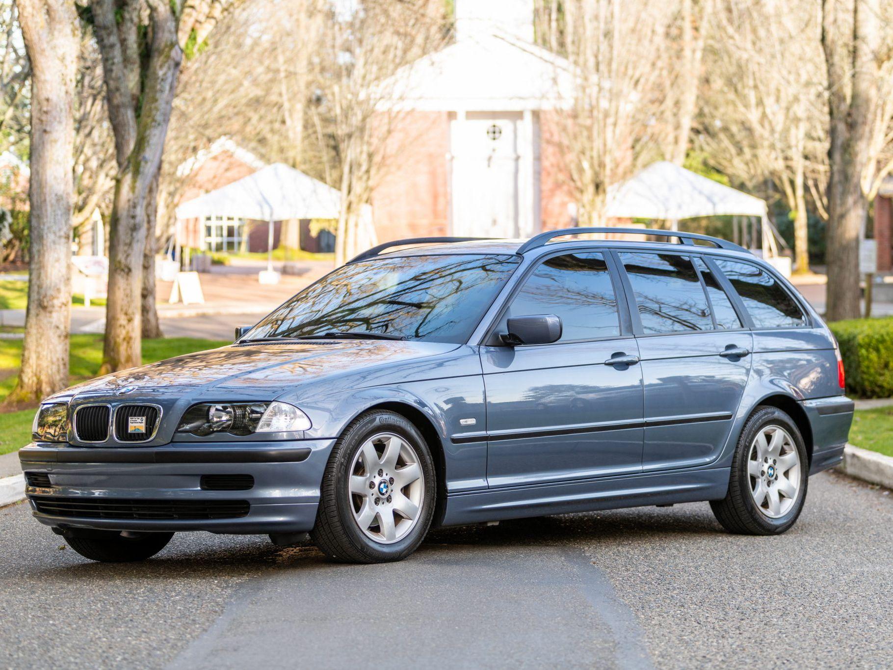 2000 BMW 323i Sport Wagon 5-Speed