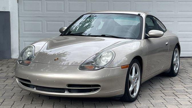 2000 Porsche 911 Carrera 6-Speed