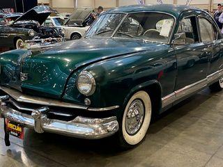 1951 Kaiser K51 Sedan