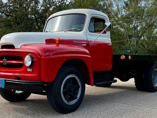 1955 International R-172