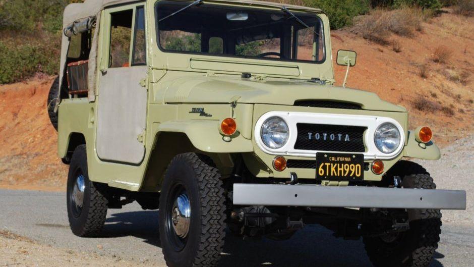 1964 Toyota FJ-40 Land Cruiser