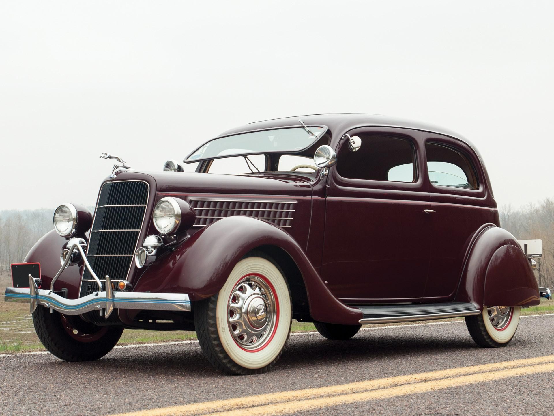 1935 Ford 48 Slantback