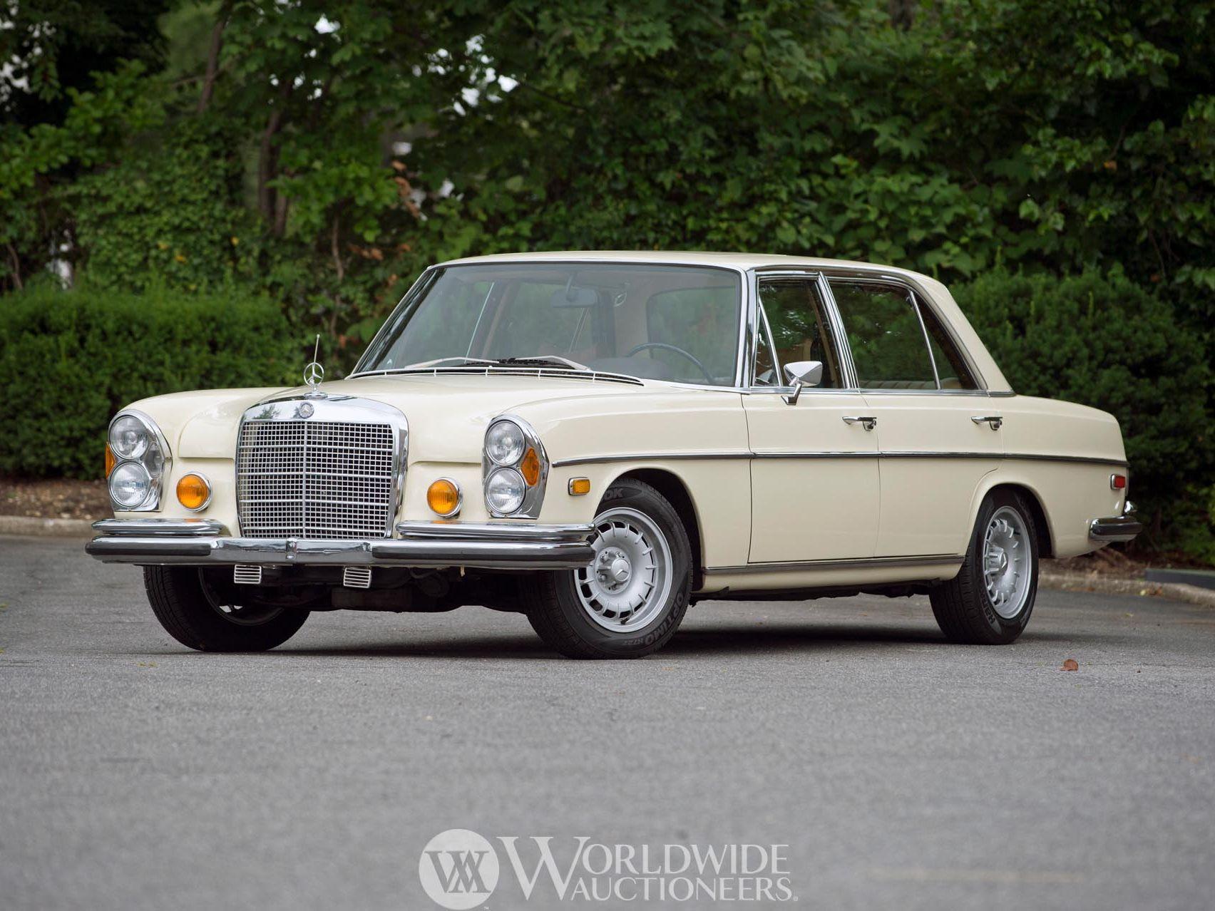 1971 Mercedes-Benz 300SEL 6.3 Sedan