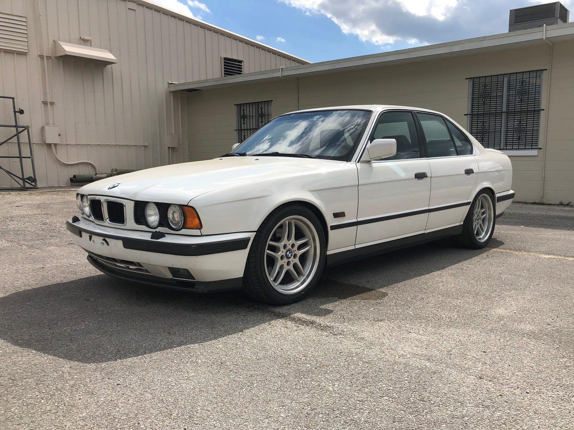 1992 BMW M5