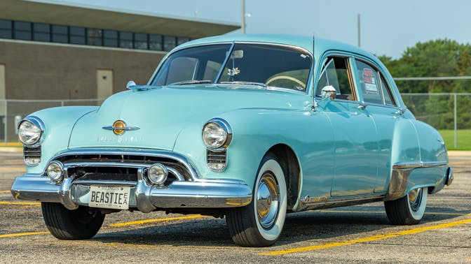 1949 Oldsmobile Futuramic 98 Deluxe Sedan